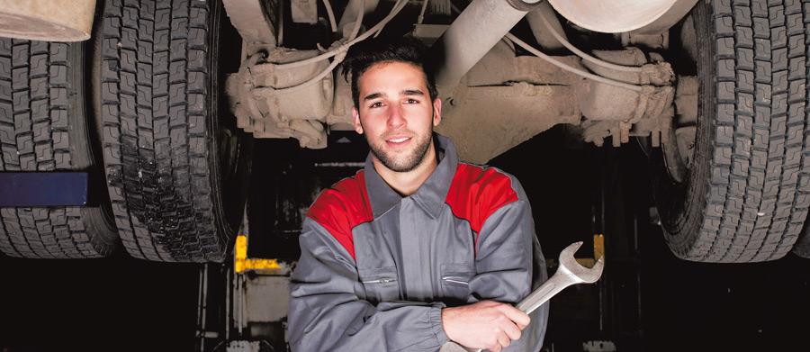 KFZ Mechatroniker Schwerpunkt Nutzfahrzeuge